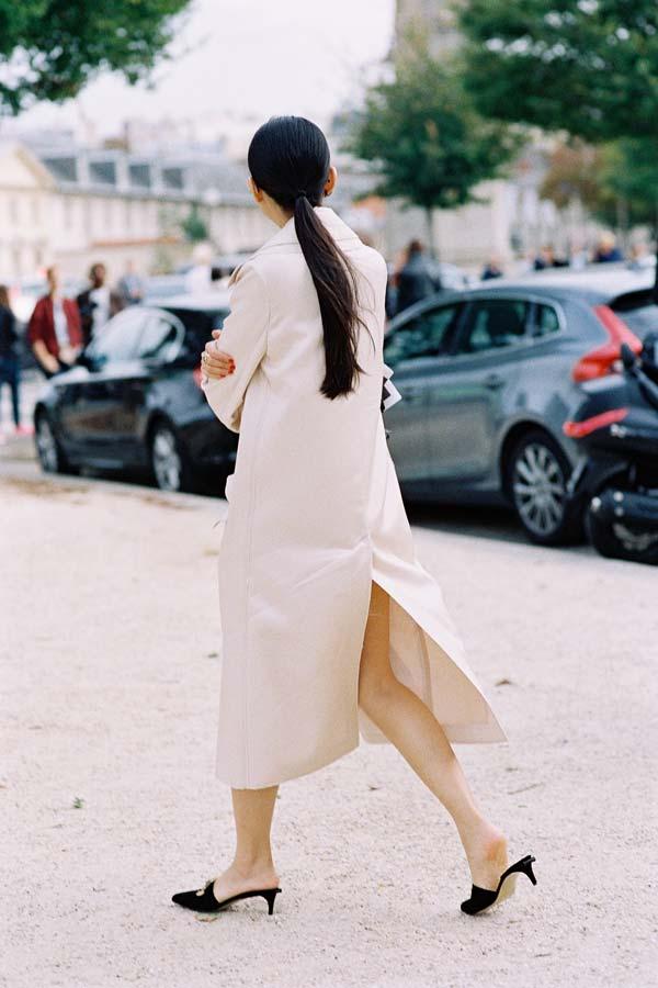 edd7746a178 Vanessa Jackman  Paris Fashion Week SS 2017....Leaf