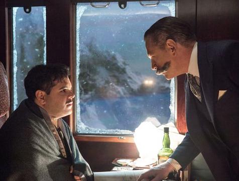 MacQueen (Josh Gad) y Poirot (Kenneth Branagh) en Asesinato en el Orient Express - Cine de Escritor