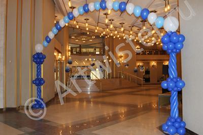 Экономное оформление воздушными шарами