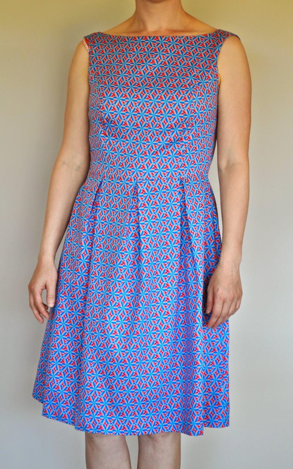 b2d8ba73ef627e Een June kleed zou het worden. Her en der zag ik al prachtige versies van  dit kleed verschijnen.