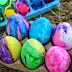 Use Plastic Eggs for No-Break Roll-Dyed Easter Decorations