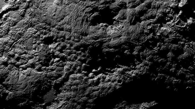 Gunung Api Es di Pluto