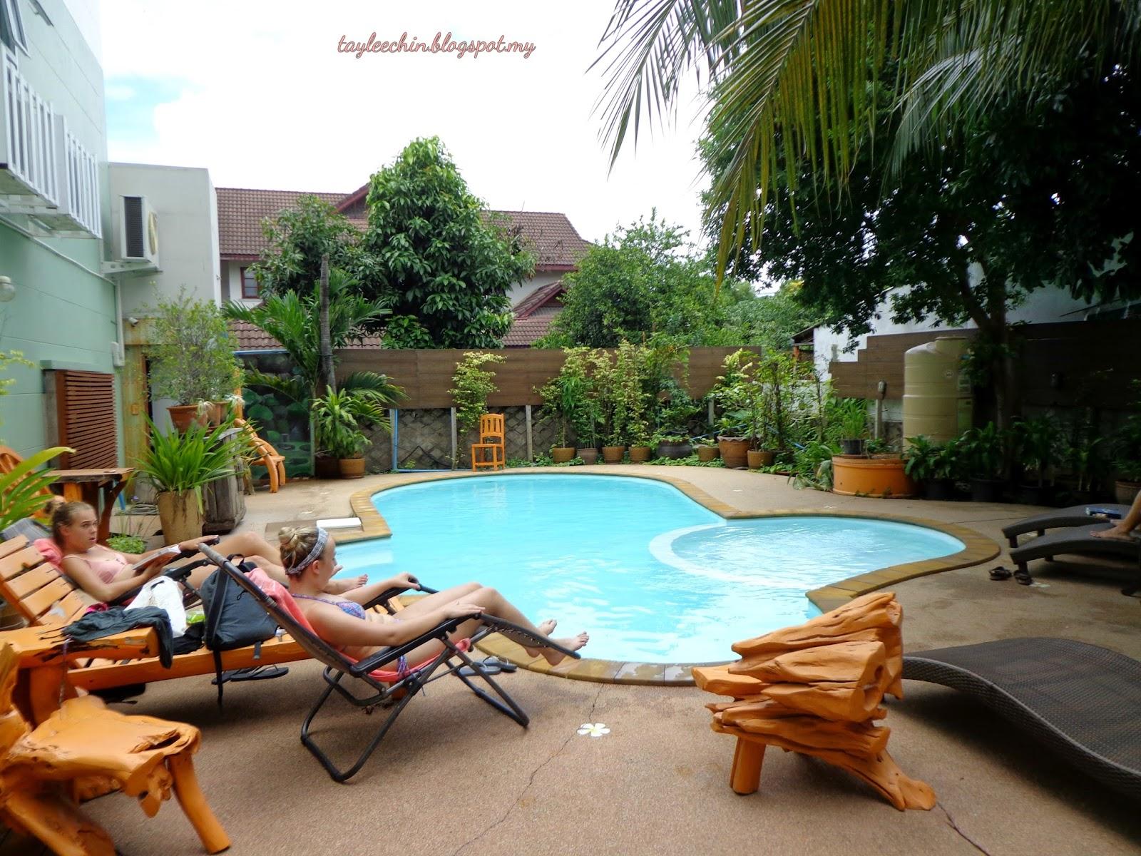 Lee chin 39 s secret garden review chiangmai bupatara hotel for Secret garden pool novaliches
