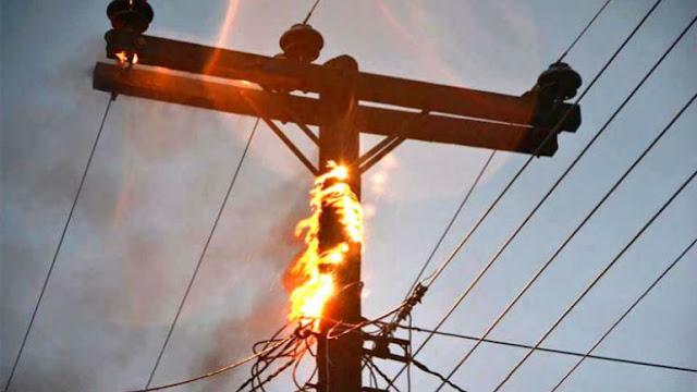 Φωτιά σε κολώνα της ΔΕΗ άφησε το Γυμνό στην Αργολίδα χωρίς ρεύμα