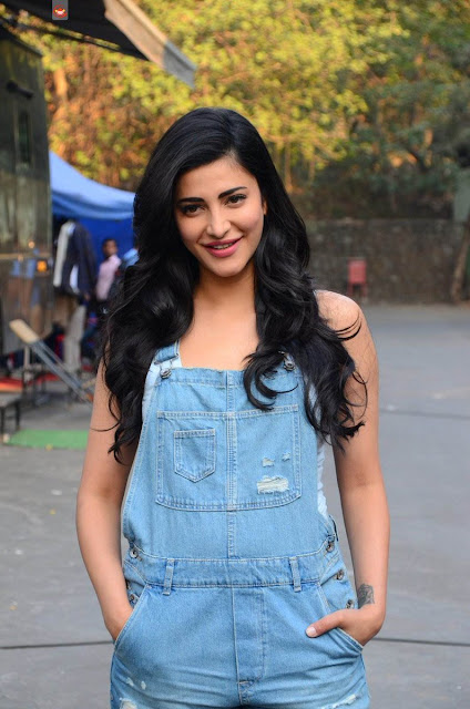 Shruti Haasan New Images in 2017