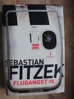 http://steffis-und-heikes-lesezauber.blogspot.de/2017/11/rezension-flugangst-7a-sebastian-fitzek.html