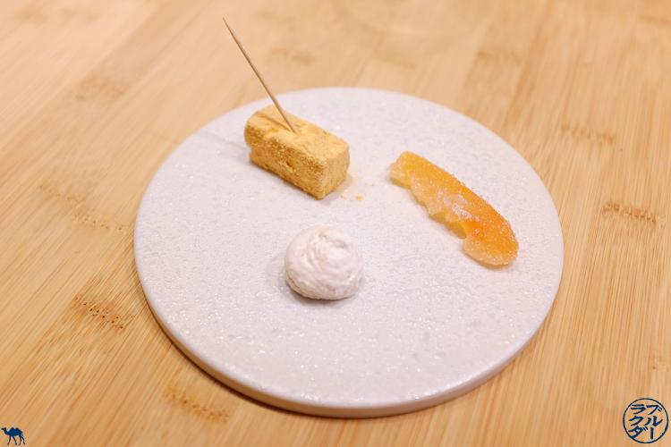 Le Chameau Bleu - Blog Gastronomie et Voyage   - Mignardise du Restaurant Gastronomique Toyo à Paris