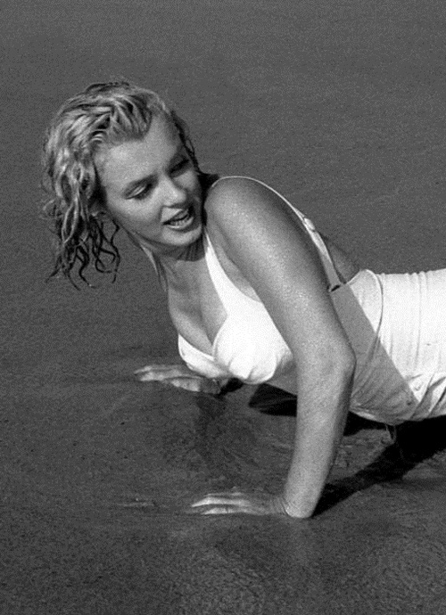 Marilyn Monroe At Amagansett Beach In The Hamptons 1958