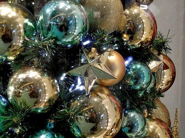 Rboles de navidad color turquesa y oro colores en casa for Arbol navidad turquesa
