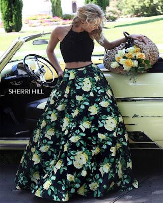outfit con falda larga de flores verde elegante