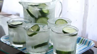 Wow...!!! Inilah Manfaat Luar Biasa Jika Kamu Minum Rendaman Air Ketimun...