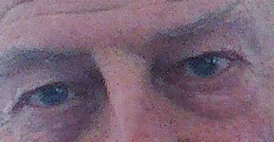 occhi di uomo anziano