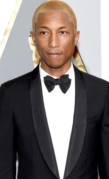 Foto de Pharrell Williams con terno