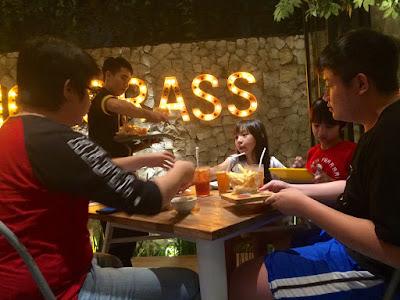 Foto quality time makan bareng