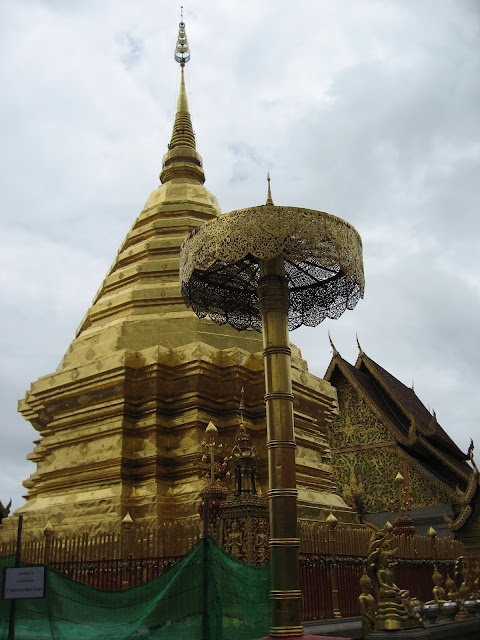 What to do on a honeymoon in Thailand: visit temples