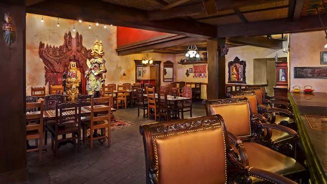 Interior do Restaurante Yak & Yeti no Disney Animal Kingdom Orlando