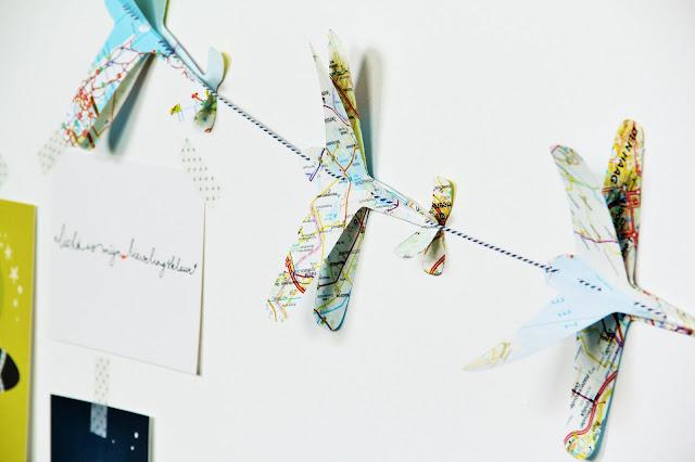 101 woonideeën, atlas, Gemaakt/ DIY, slinger jongenskamer, Studio Mojo, vliegtuig slinger, VTwonen,