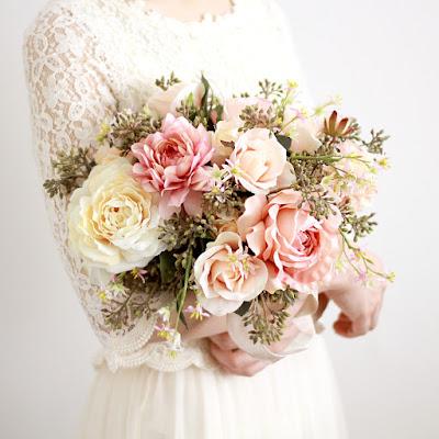 ローズとハーベストベリーのブーケ_ウェディングヘッドドレス&花髪飾りairaka