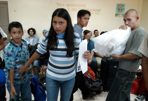 EE.UU. y México deportaron a más de 63 mil hondureños en 2016