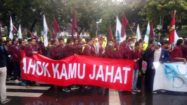 KAMMI Dan IMM Demo, Jokowi Dapat Kartu Kuning Ahok Kartu Merah : Berita Terbaru Hari Ini