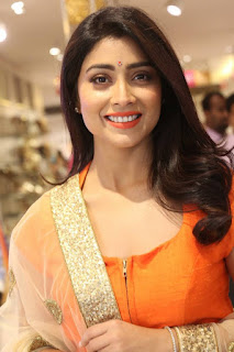 Actress Shriya Saran Latest Pictures at The Label Bazaar Curtain Raiser Event  0002