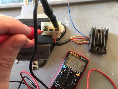 Aprilia RS 125 regulator rectifier testing