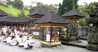 All About Bali Pura Tirta Empul Religious Celebration