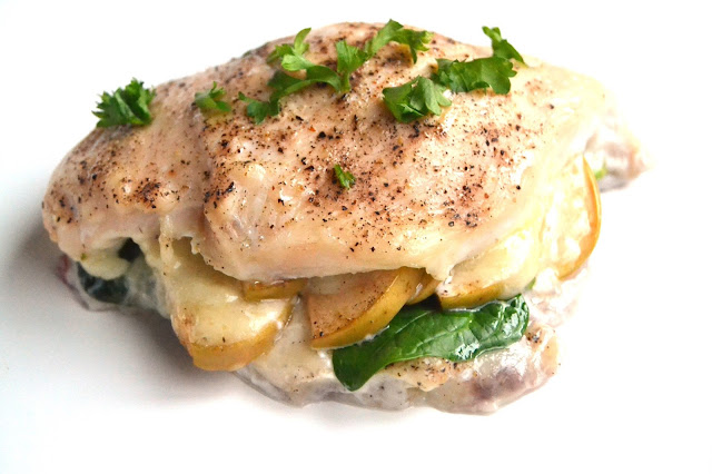 White Cheddar, Apple and Cranberry Stuffed Chicken is ready in just 30 minutes and is full of flavor! The mix of sweet, tangy and creamy flavors will make this one of your favorite easy meals! www.nutritionistreviews.com