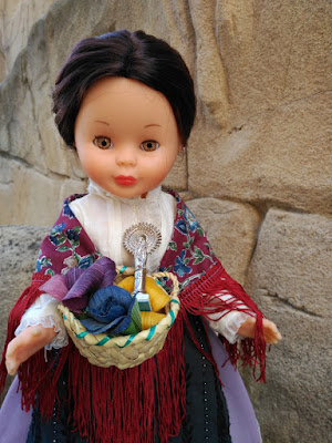 Nancy con el traje de baturra en homenaje a la Virgen del Pilar