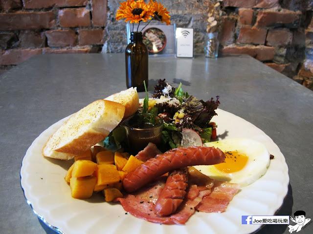 IMG 6541 - CMYK GALLERY | 集會畫教室、藝廊、餐廳於一身的特色餐廳,色彩繽紛的用餐環境,令人賞心悅目,也讓網美們為之瘋狂!