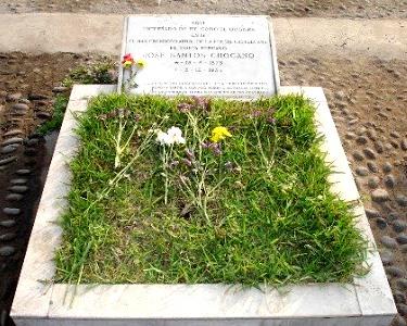 Foto de la tumba de José Santos Chocano