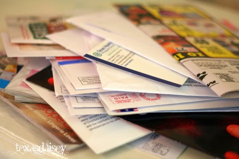 Texasdaisey teaches how to organize mail