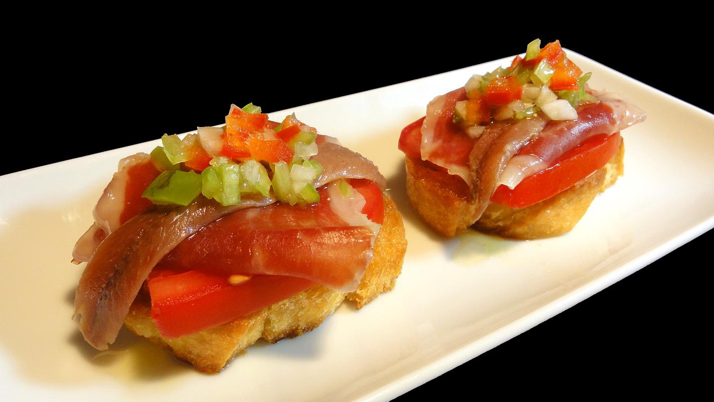Cocinar para los amigos pintxo de jam n tomate y anchoa for Cocinar para los amigos