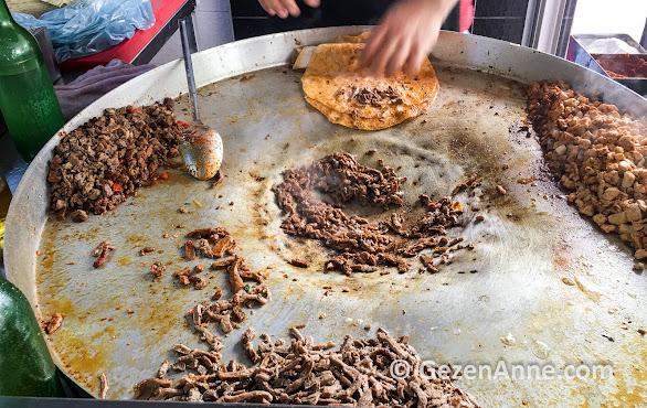 Mersin'in en meşhur yöresel yemeği tantuni, Öz Mersin tantuni
