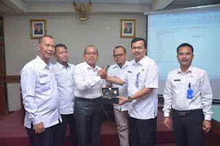 <b>Pimpinan Komisi V DPRD NTB Belajar Kiat Sukses Pemda Jatim Menangani TKI</b>