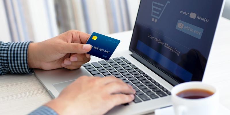 Brasileiro agora prefere pagar à vista nas lojas virtuais