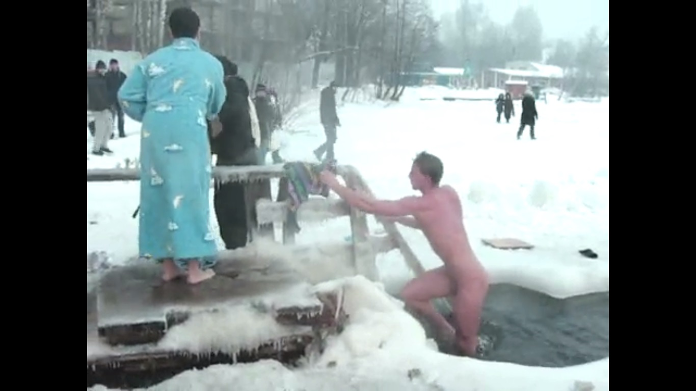 TUBEXPOSED Straight guys exposed on the net skinny dipping in public  Russia