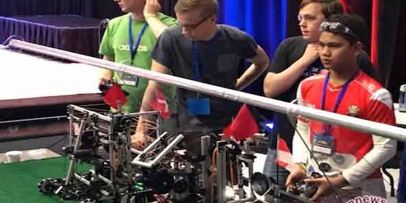 """Woooww"" robot buatan siswa madrasah yang juara di Amerika Serikat"