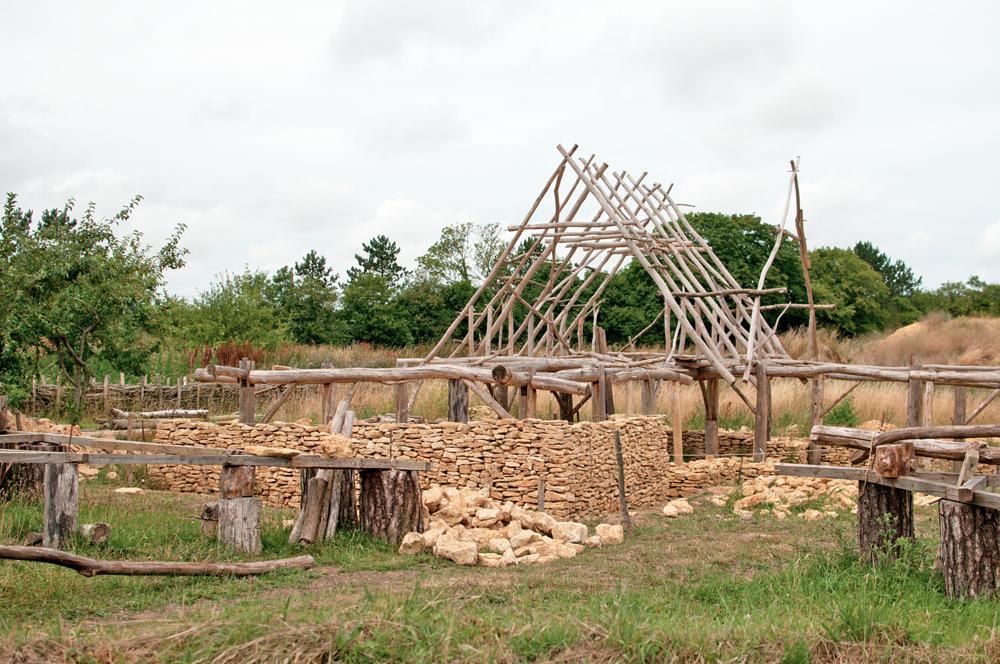 Reconstitution de la maison carolingienne de Vieux la Romaine