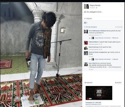 Pria Ini Coba Hina Islam dengan Menginjak Al-Quran
