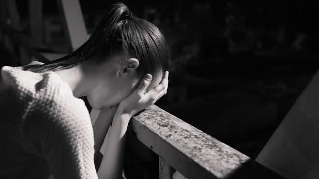 Ciri-ciri Orang Depresi, Serta Berbagai Penyebab dan Cara Menyembuhkannya