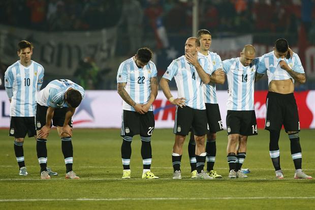 innovative design 09f44 835d2 Messi, Mascherano y el resto de la Selección Argentina no pudieron  deshacerse del fantasma de 22 años sin títulos que acecha al conjunto ahora  dirigido por ...