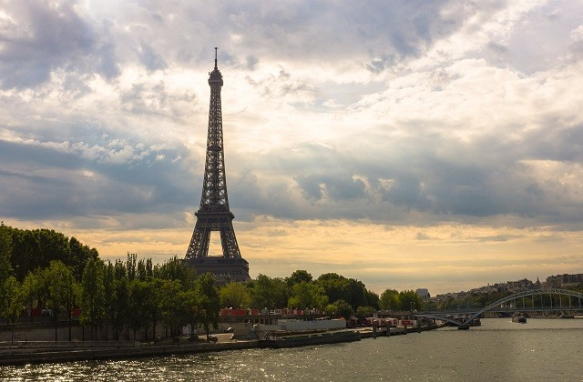 5 Places To Visit For Your Family Vacation In France