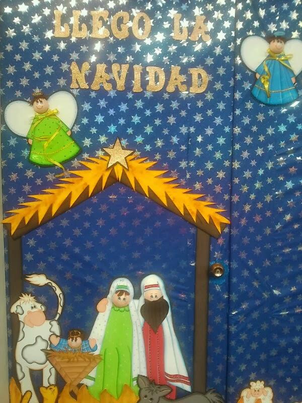 Bandeja de navidad y puerta decorada mis tablas for Puertas decoradas de navidad para preescolar