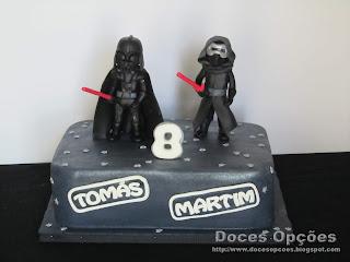 Bolo Star Wars com o Darth Vader e o Kylo Ren