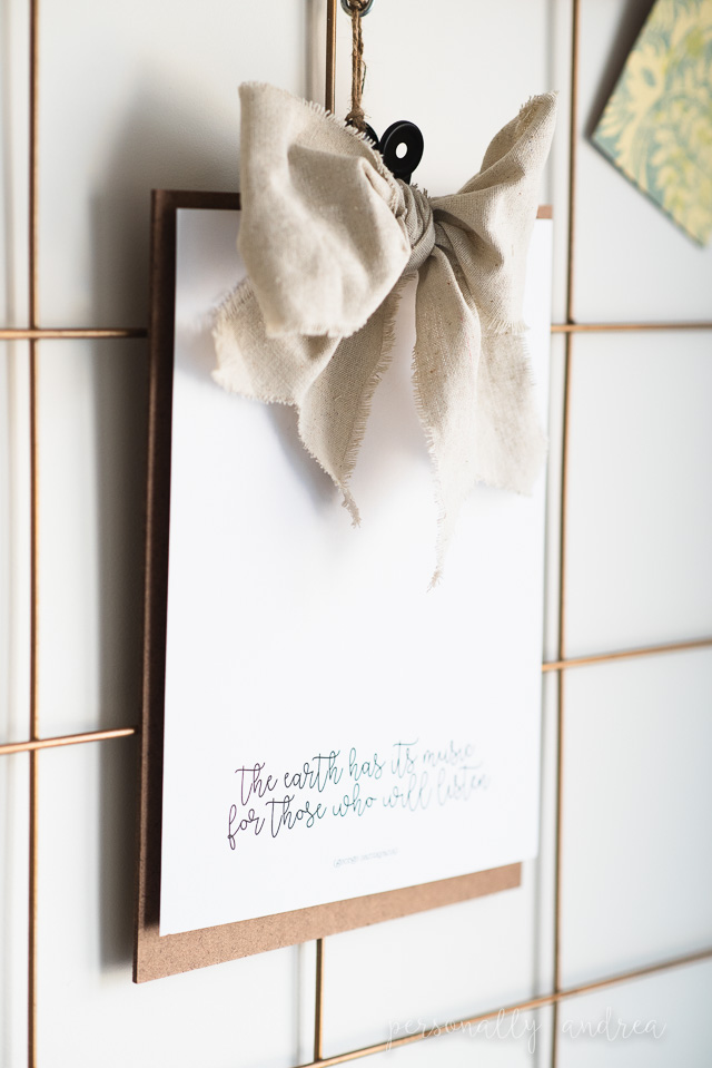 Simple boho-inspired clipboard to display positive and inspirational quotes in your home or workspace. #boho #boho-chic #clipboardquote #printablequote