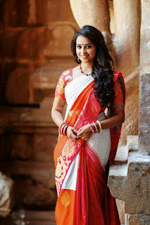 Sri Divya in Saree Mobile Wallpaper