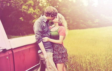 Feel Free with Romantic Kiss Love Image