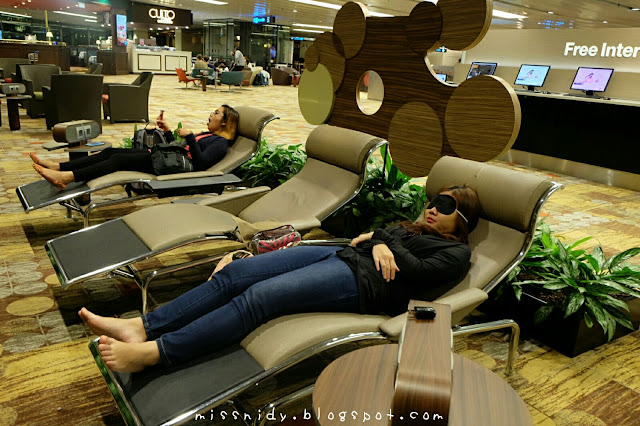 menginap di Changi airport snooze lounge