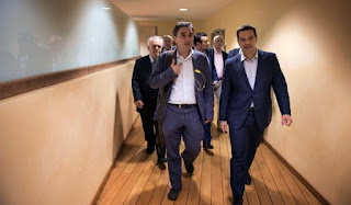"""Έκλεισε η συμφωνία: Μαχαίρι έως 18% στις συντάξεις, στα 5.681 το αφορολόγητο. Με το... """"αίμα"""" τους θα πληρώσουν οι Έλληνες την παραμονή του ΣΥΡΙΖΑ στην εξουσία!"""